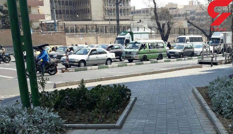 حسین هدایتی با یک ون تاکسی از دادگاه به زندان رفت