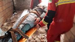 سقوط کارگر ساختمانی به داخل چاهک آسانسور
