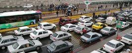 خالی کردن بار سنگ میان معترضین تهرانی به افزایش قیمت بنزین! + فیلم و عکس