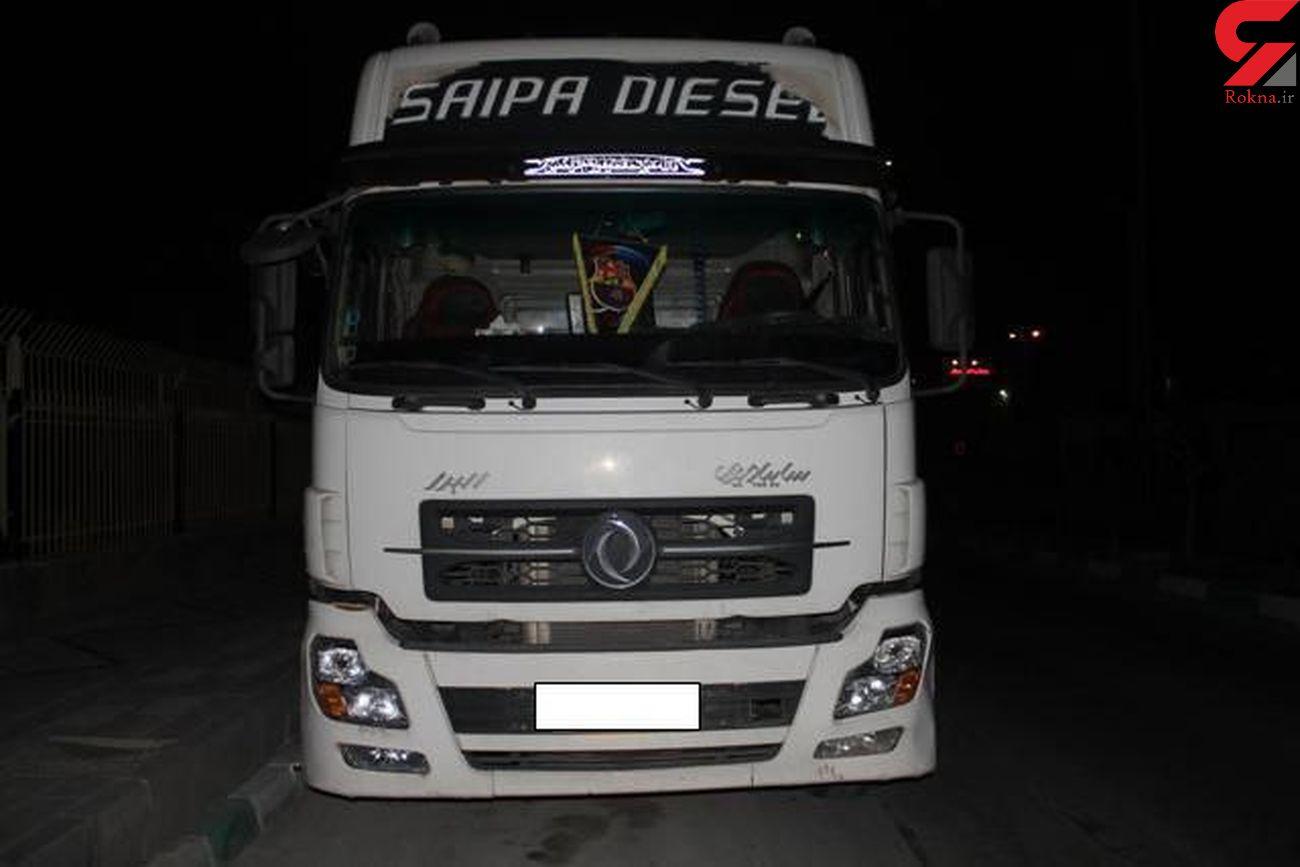 توقیف کامیون حامل کمباین قاچاق در لرستان