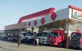 مواد غذایی کامیون ها در حال فاسد شدن است / 100 لیتر گازوئیل کافی نیست ! / تکلیف کامیون داران را روشن کنید