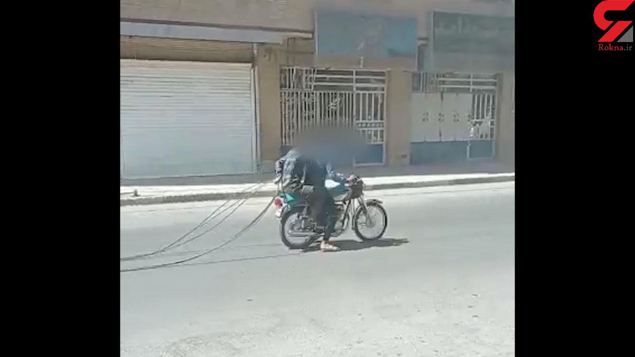 فیلم سرقت کابل برق در خرمشهر / برق ها قطع شد