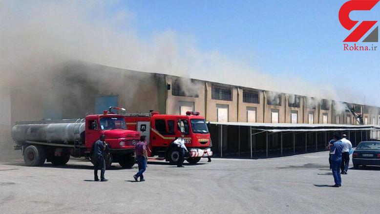 انبار گمرک سمنان در میان شعله های آتش +عکس
