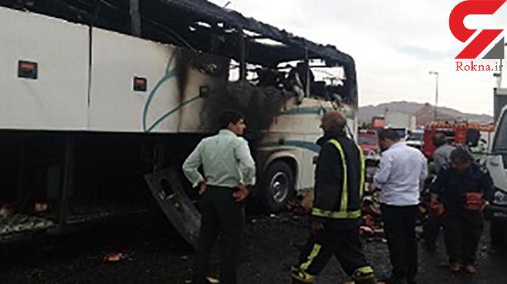 حریق اتوبوس مسافربری در انارک نایین + عکس