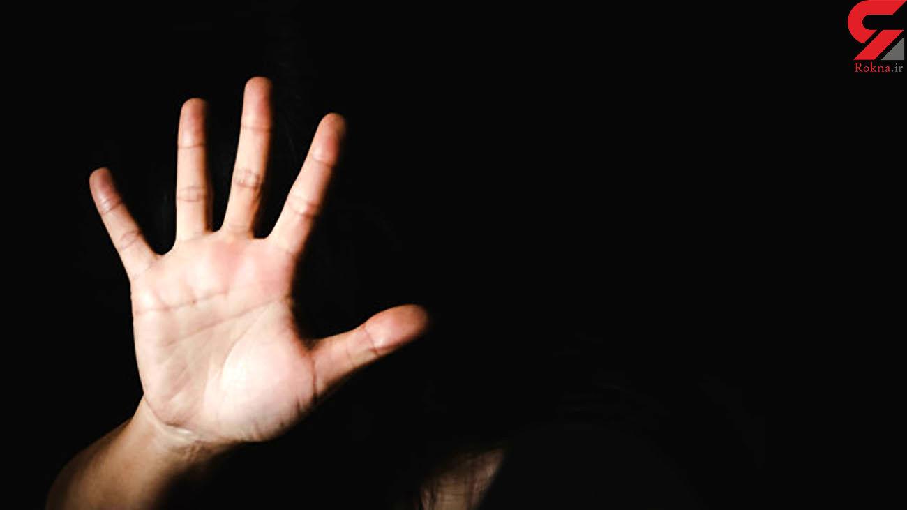 مرد پلید نقابدار به زن تنها در خانه اش رحم نکرد