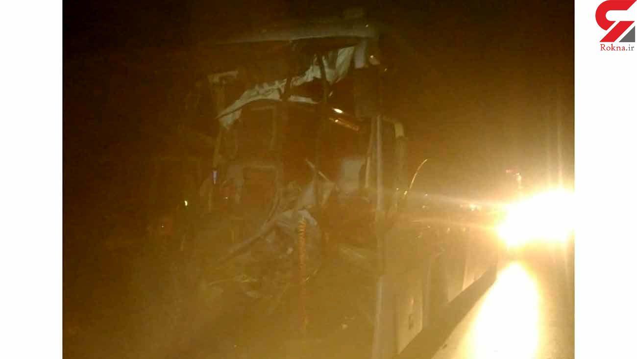 تصادف خونین اتوبوس و تریلی در جاده آرادان به سرخه + فیلم