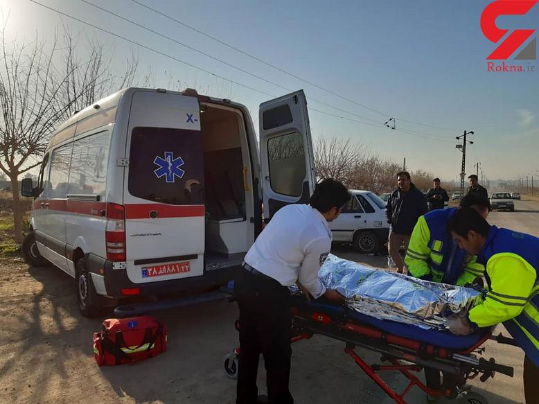 واژگونی پژو 206 با 5 زخمی در یزد