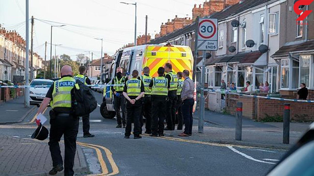 فرار مرد بدون لباس از پنجره یک خانه ! / آماده باش پلیس / انگلیس
