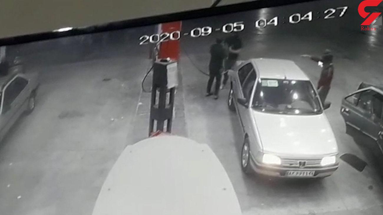 فیلم عجیب ترین صحنه سرقت خودرو در ایران / واقعا باور نمی کنید ! + عکس