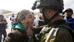 فیلم حمله وحشیانه سربازان اسرائیلی به 2 زن اورپایی +عکس و فیلم