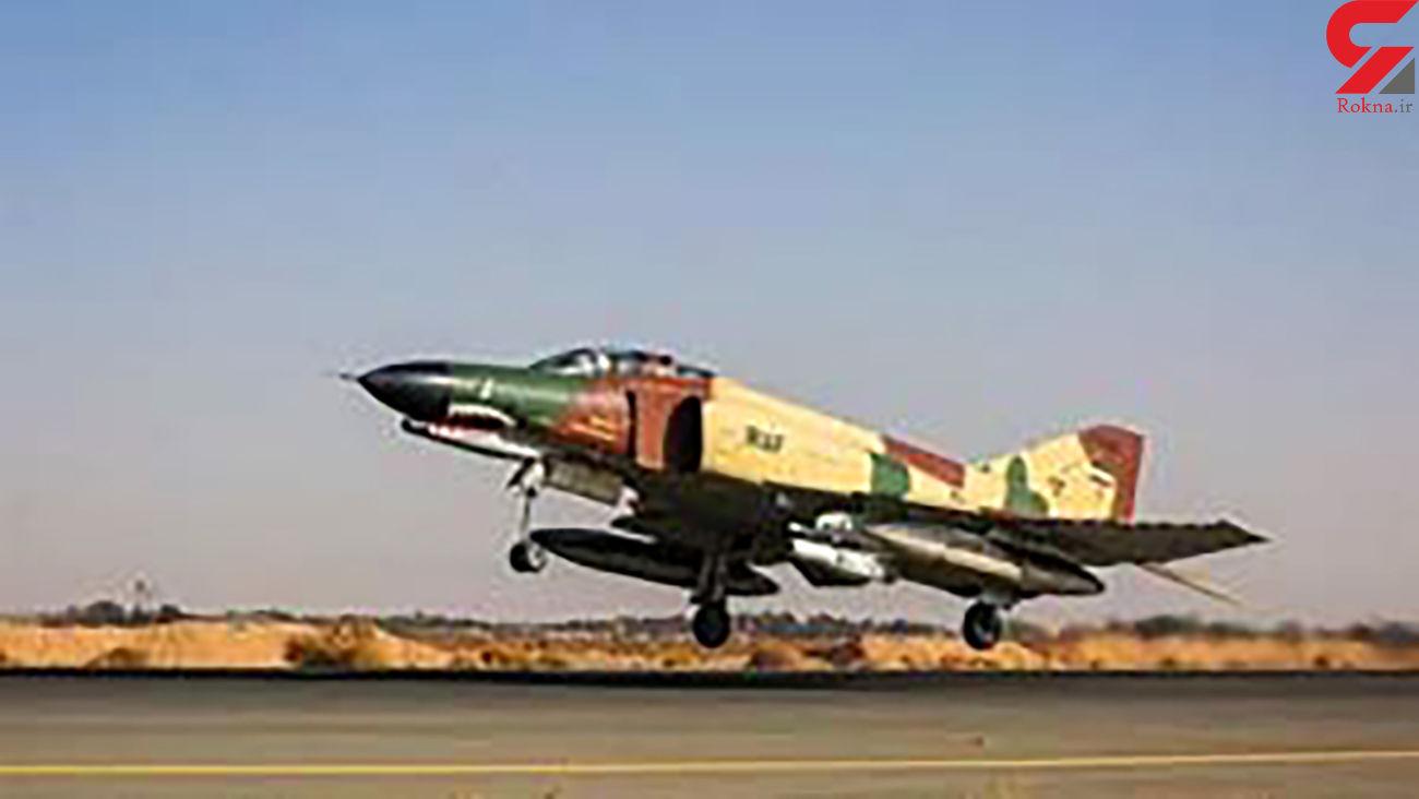 پرواز عمودی خلبان ایرانی با جنگنده فانتوم f 4 + فیلم دیدنی