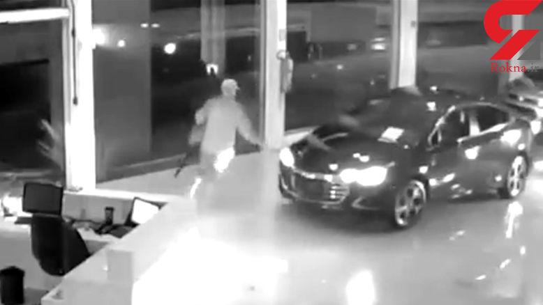سرقت بزرگ از نمایشگاه اتومبیل + فیلم