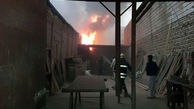 نجات مردی میانسال در آتش سوزی منزل قدیمی دو طبقه