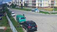 تصادف هولناک موتورسوار با یک خودرو + فیلم