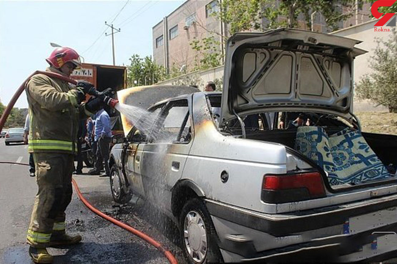 پژو 405 در پمپ بنزین میدان ساعت اهواز آتش گرفت