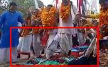 درمان باورنکردنی زنان نازا در هند / کاهنان مذهبی با آن ها چه می کنند ؟