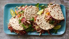 ساندویچ مرغ با تزئین سبزیجات/غذای سه سوته+دستور تهیه