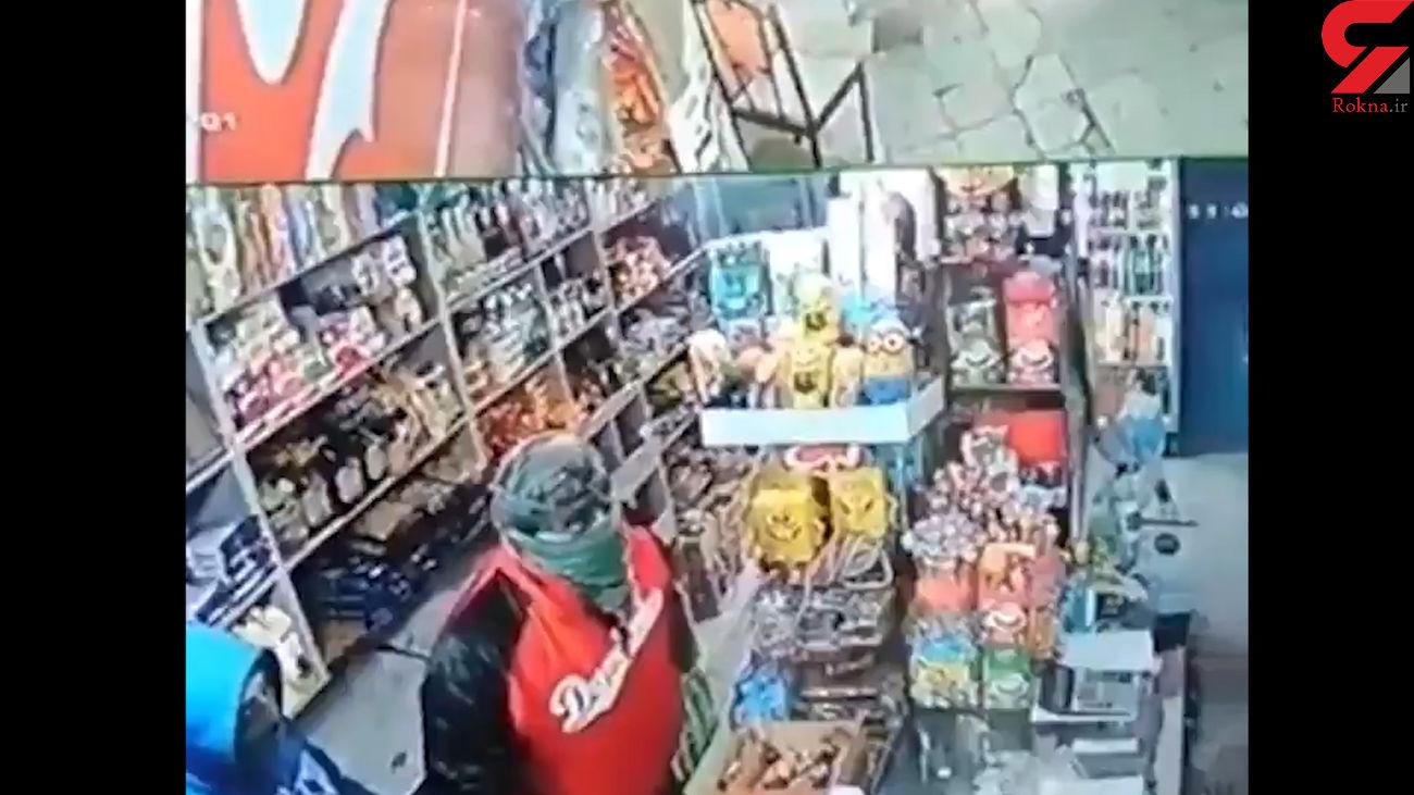 سارقان چاقو کش به سوپرمارکت های مشهد رحم نکردند + فیلم