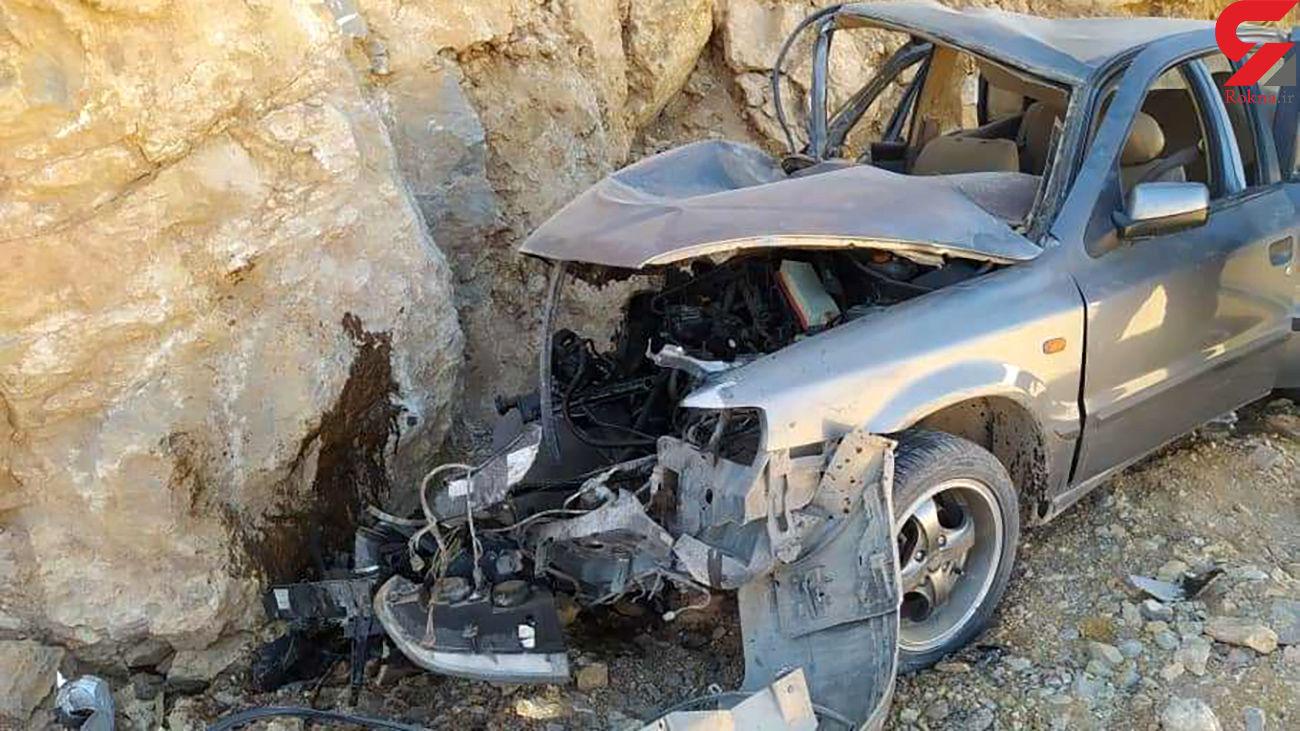 عکس دلخراش از برخورد سمند با صخره های کنار جاده  / راننده در دم جان باخت
