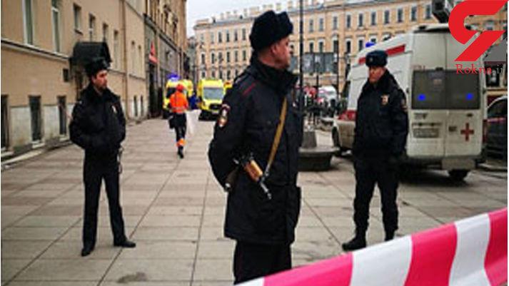 حمله خونین به مسافران قطار شهری / مرد چاقو به دست 11 سال در زندان بوده است + عکس