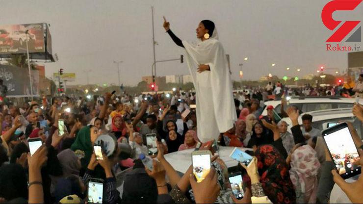 «رقص کنداکه» غنای زنان سودان با گردش عصای البشیر+تصاویر