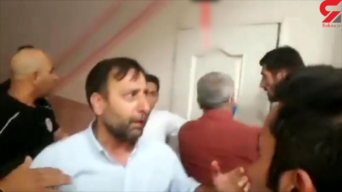حمله خونین استقلالی ها به رختکن تیم رقیب / فوتبالیست ها زخمی شدند + جرئیات و فیلم