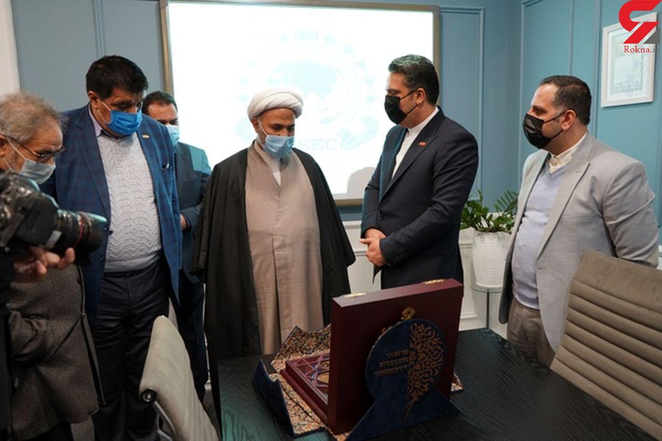 بازدید رئیس کمیسیون اصل ۹۰ مجلس شورای اسلامی از ایده سوغات ملی در مشهد