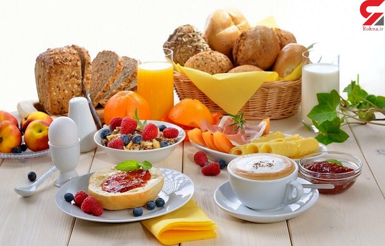 جوانی با 6 گزینه غذایی در وعده صبحانه
