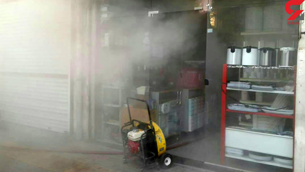 آتش مغازه پلاستیک در خیابان مولوی را سوزاند