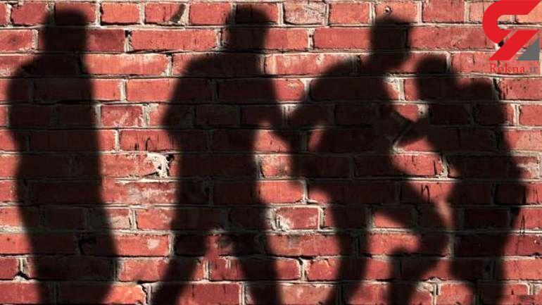 اقدام پلید 4 شیطان صفت با پسر ۱۶ ساله بدون لباس در باشگاه ورزشی / در تهران رخ داد